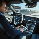 Volvo, zelfrijdende auto, Autonomous_drive_commuting (1)