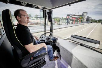 Mercedes, zelfrijdend, autopilot, bus