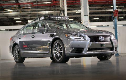Toyota Lexus zelfrijdende auto. Bron: Toyota