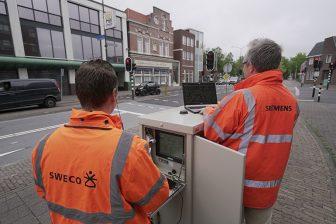 Vertegenwoordigers van Siemens en Sweco bij de iVRI in Helmond. FOTO Sweco